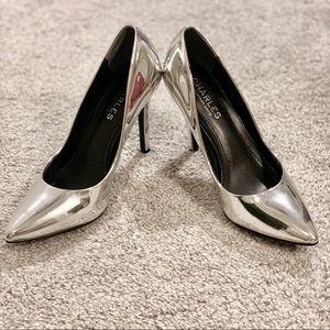 Charles David Maxx Pointy Toe Pump Silver Size 6